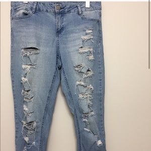 3/$30 Rue21 Extremely Distressed Jeans Sz 7/8